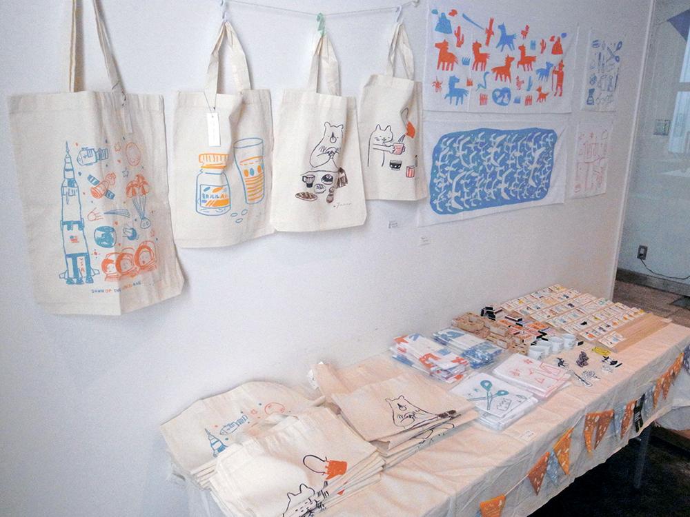 京都での雑貨販売の様子(2013年)